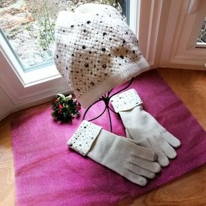 Vera Wang hat and gloves set/bundle, OS